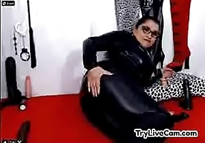 Mature approximately latex posing at TryLiveCam.com