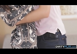 Dirty Flix - Sexy thing is a courtesan Scheming