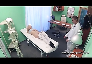 Blonde babe sucks bull to doctor