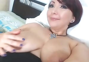 Busty milf teasing their way grungy pussy superior to before web camera live